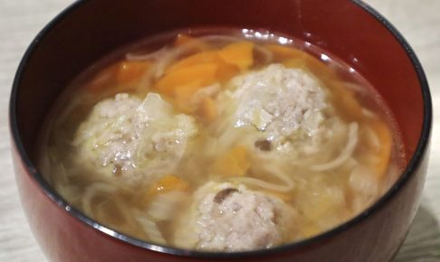 肉団子の中華風スープ